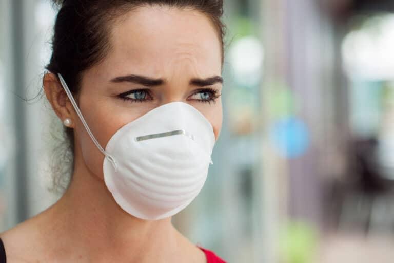Transmisión aérea de coronavirus, protección con mascarilla